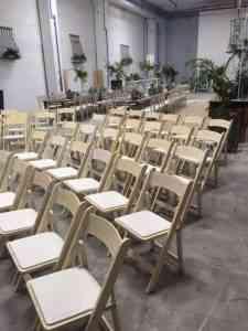כסאות לאירועים להשכרה